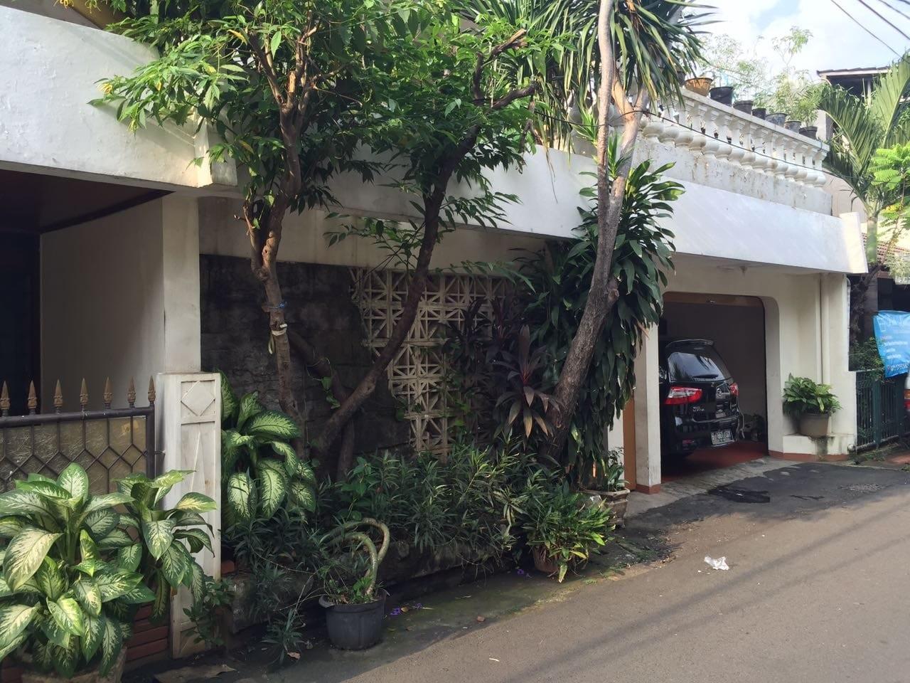 Rumah Di Jakarta Selatan, Kebayoran Lama - Jl. Mesjid Iv - **dekat Jalan Tentara Pelajar **2,3 Km Ke Senayan City Mall #151243