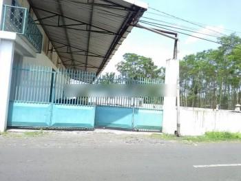 Gudang Jalan Kyai Sanusi Tukum Lumajang #1