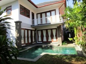 4 Bedrooms Villa Semi Furnish In Tambak Sari Sanur #1
