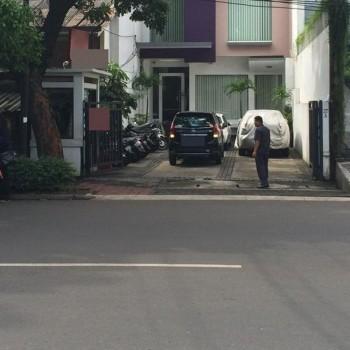 Ruko Pinggir Jalan Raya Strategis Di Kebayoran Baru Jakarta #1