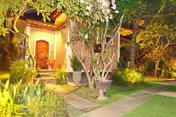 Dijual Hotel Nuansa Bali Dekat Pantai Sanur #1