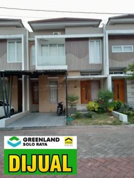 Rumah 2 Lantai Dengan Fasilitas Kolam Renang Di Perumahan Elite Gentan Solo #1