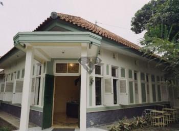 Dijual Rumah Hoek Bangunan Klasik Sayap Gatot Subroto Bandung #1
