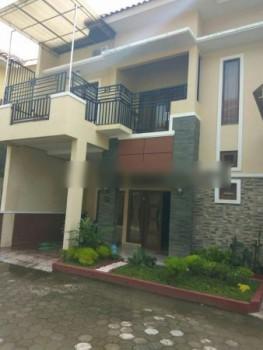 Rumah Bagus 2 Lantai Siap Huni #1