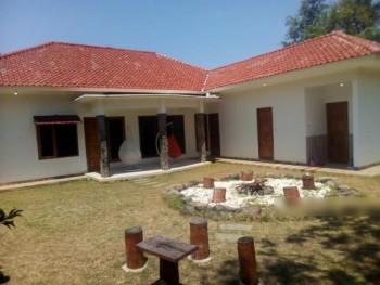 Dijual Rumah Dengan Taman Luas Di Kuningan Jl.raya Bandarasa Kulon Linggar Jati Kab.kuningan Jabar #1