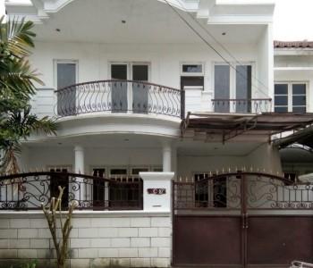 Rumah Semi Furnished Dharmahusada Mas Dekat Dengan Its,supermarket #1