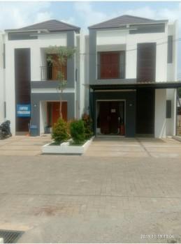 Rumah Mewah Dua Lantai Rp1.1 M Di Pondok Cabe Cinangka Depok #1