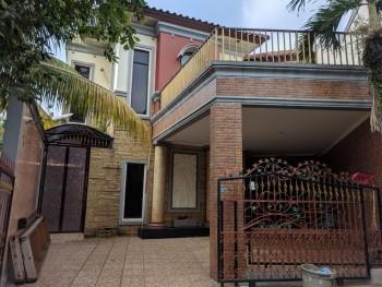 Rumah Second Dengan Private Pool Di Bsd Serpong #1