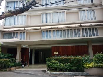Dijual Murah Rumah 4 Lantai Di Lokasi Elite Dan Strategis Di Senayan, Jakarta Selatan! #undefined