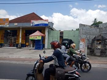 Rumah Usaha Jl. Kemuda Denpasar, Ex Toko Bangunan (code : Arl) #1