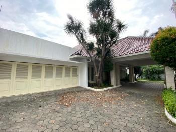 Disewakan Rumah Nyaman Dan Asri  Area Patra Kuningan Jakarta Selatan #1