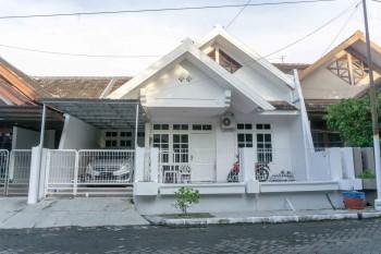 Rumah Bagus Kondisi Terawat Taman Majapahit Estate #1